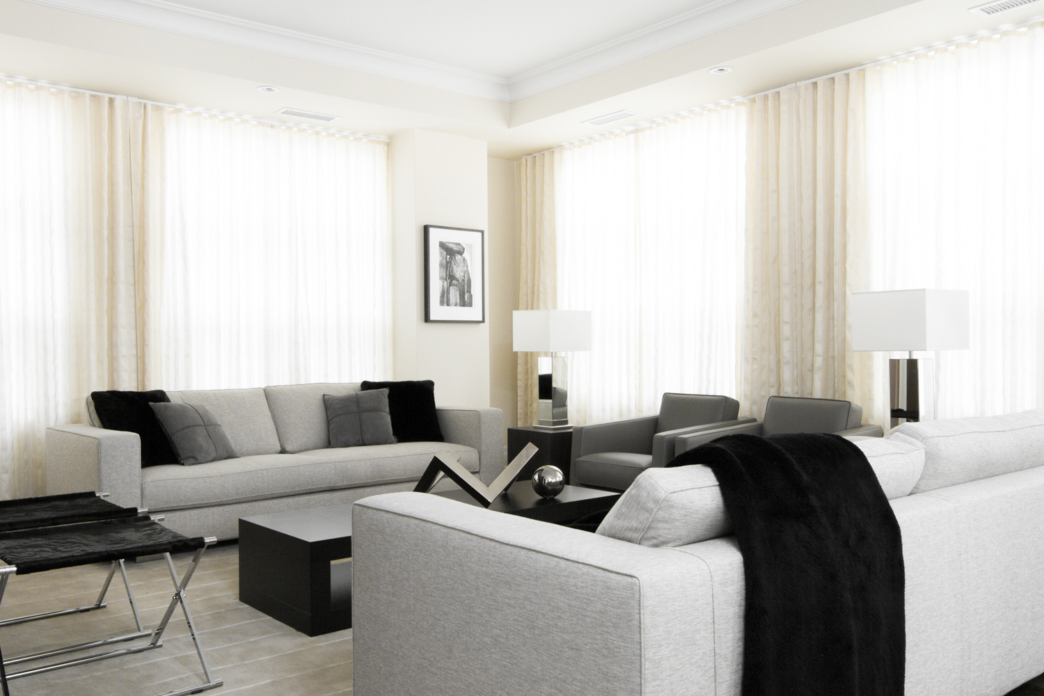 THE REGENCY YORKVILLE CONDOS FOR SALE - LIVING AREA