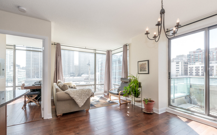 18 YORKVILLE - TWO BEDROOM FOR SALE - CONTACT YOSSI KAPLAN