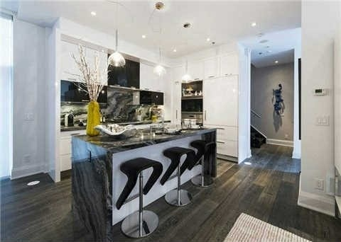 U CONDOS 1082 BAY - TOWNHOME FOR SALE - CONTACT YOSSI KAPLAN