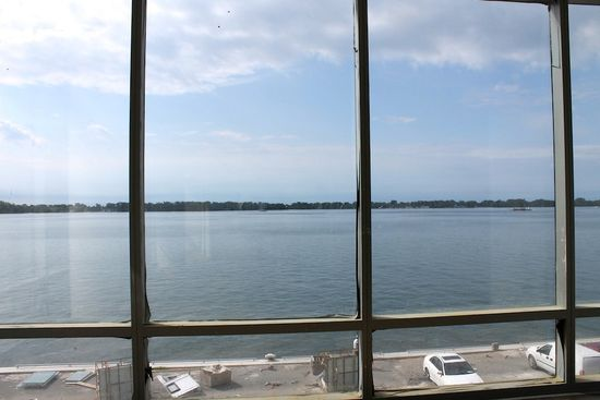 PIER 27 CONDOS FOR SALE - LAKE VIEW