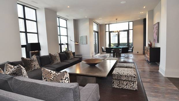 THE REGENCY YORKVILLE CONDOS FOR SALE - LIVING 2