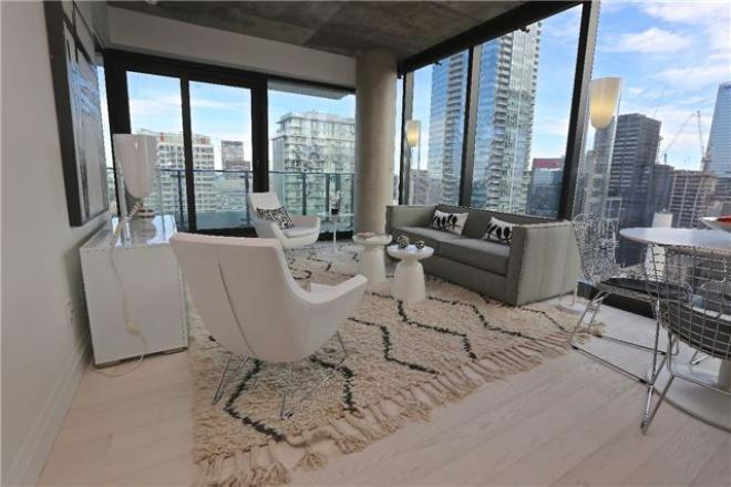 224 KING WEST - LUXURY THREE BED FOR SALE - CONTACT YOSSI KAPLAN