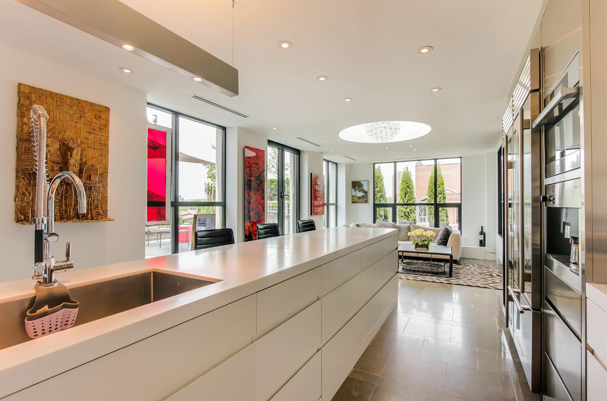38 AVENUE - KITCHEN PENTHOUSE FOR SALE - CONTACT YOSSI KAPLAN
