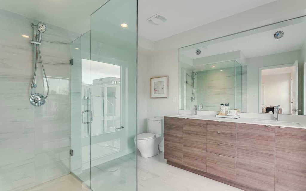 Queen West Townhomes @ 39 Florence St - Bathroom