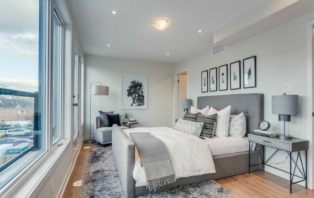 Queen West Townhomes @ 39 Florence St